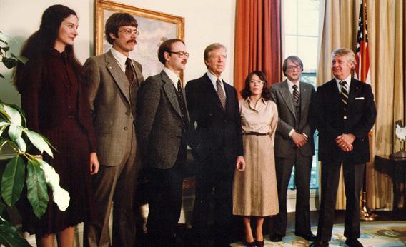 Los protagonistas reales de la historia junto a Jimmy Carter, el presidente de Estados Unidos en ese entonces.