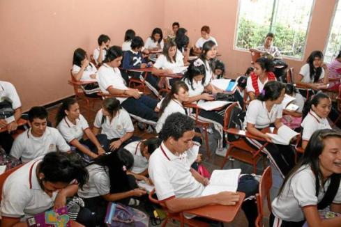 Salón de Clases en Colombia ¿Ve usted las diferencias?