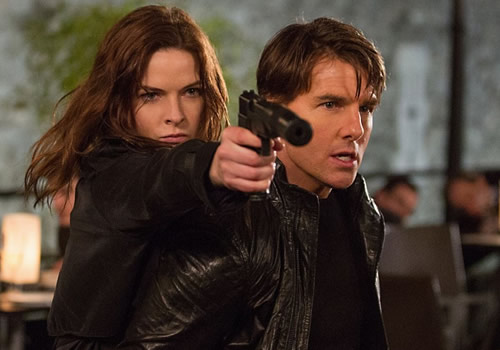 Rebecca Ferguson y Tom Cruise.