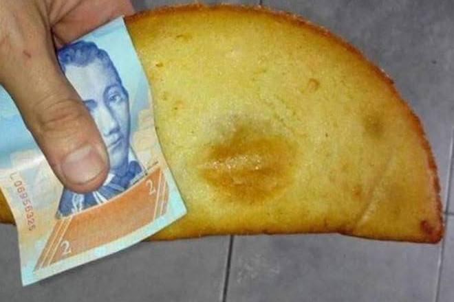 Los billetes en Venezuela han bajado tanto de valor, que salen más económicos que una servilleta.