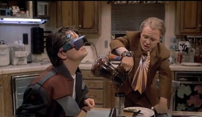 back_to_future_smart_glasses-600