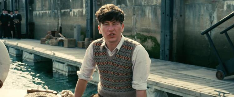 barry-keoghan-in-dunkirk-2017-large-picture